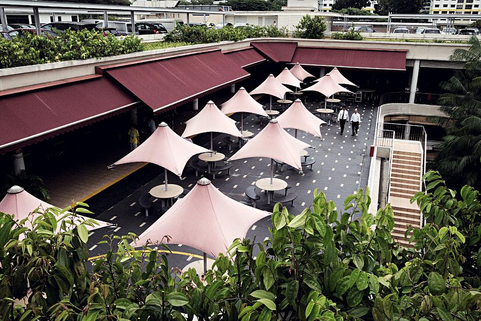 s-red-tent-r0015960-martosc.jpg